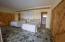 Master bedroom with 2 en suite bathrooms