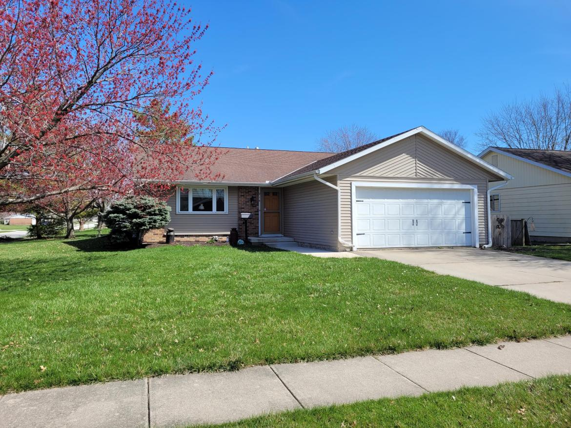 Cute 3 bed 2 and 1/2 bath with 2 car garage on a full basement.  Some of the basement is finished for extra space.  Fenced in back yard for your pets or privacy.  Call today.