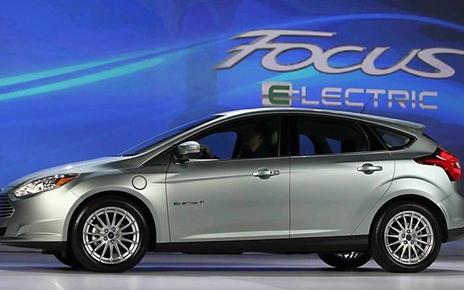 Ford follows teslas lead and opens all their electric vehicle patents