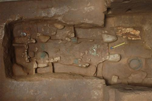 Guatemala excavates early Mayan ruler's tomb