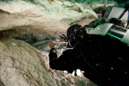 Strange alien slime discovered living beneath the Nullarbor Plain