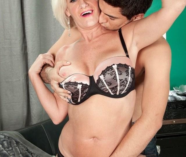 Naked Desire Collins Aged Desire Collins Nylon  C2 B7 Porn