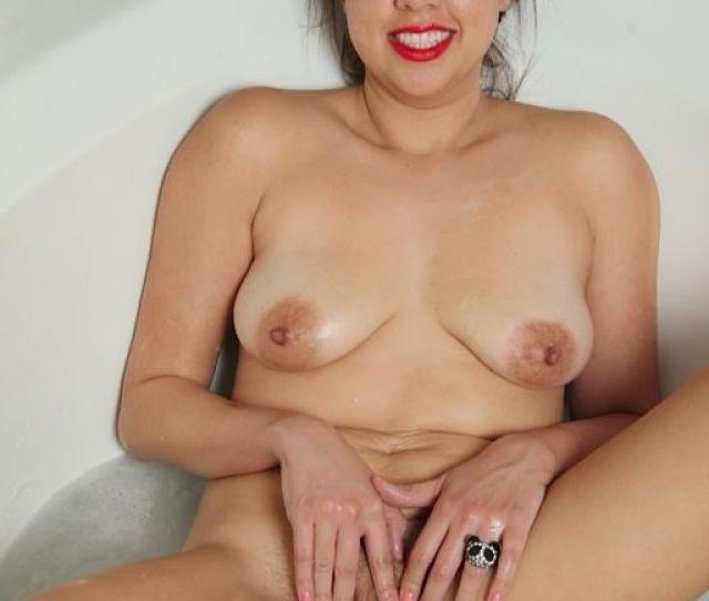 Curvy Milf Elle Perkins Having Fun In The Bathtub