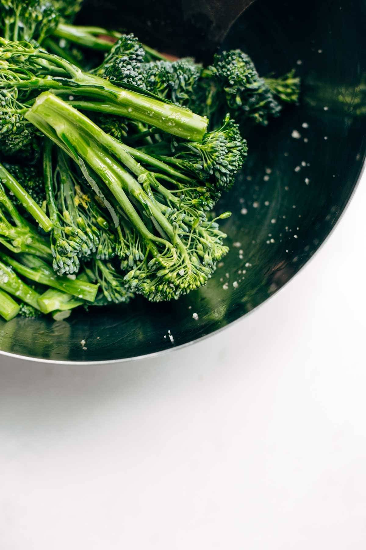 Broccoli for Meal Prep | pinchofyum.com