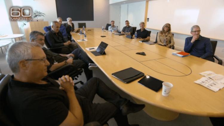 """1. 每週一上午9點,蘋果最高級別的管理層人員會在這個會議室裡開會。如果想瞭解蘋果公司是如何運轉的,這個會議室是最好的地方。但是即便""""60分鐘""""也沒能拍攝會議內容。"""