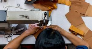 Lululemon, KnowTheChain, sector moda y calzado, derechos laborales, trabajo forzoso, ONG, industria textil, Adidas,