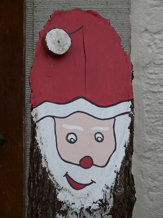 Kostenloses Foto Nikolaus Weihnachtsmann Baumstamm