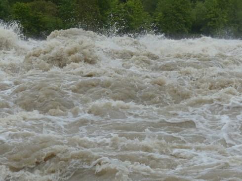 最高水位, 波, 注入する, シュトルーデル, 危険, 渦, スプレー, ドナウ川, 雨の天気, スラリー
