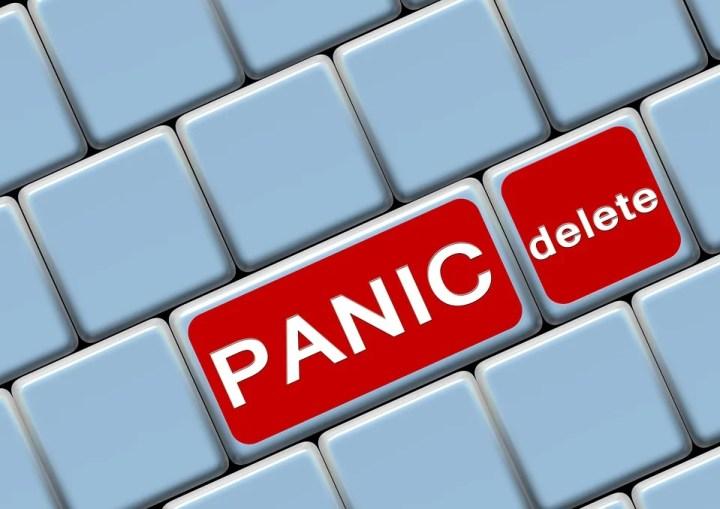 computer keyboard red keys panic delete