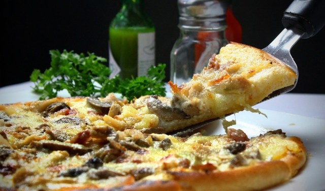 Pizza, Slice, Italian, Toppings, Dinner, Lunch, Cheese, fast food business hindi