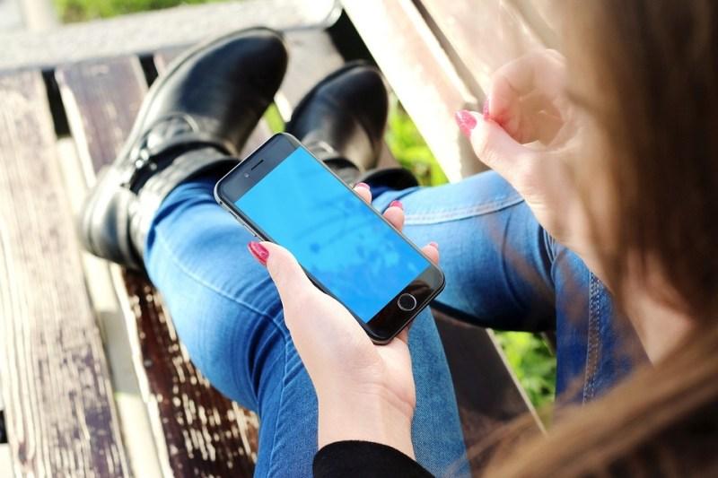 Iphone, Mano, Ragazza, Smartphone, Telefono Cellulare