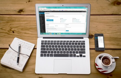 Wordpress dashboard reflected on a Macbook Air