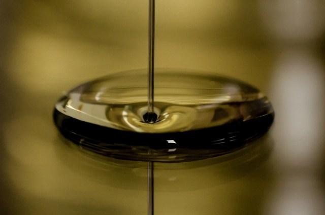 Olej, Benzín, Automotive, Reflexie, Lesklý, Naliať