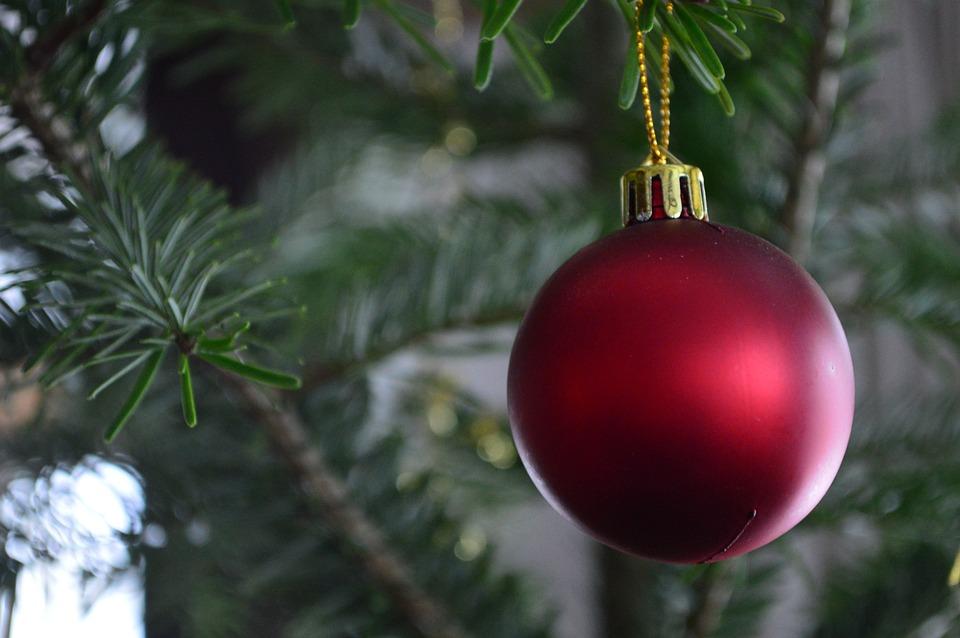 Kostenloses Foto Weihnachten Weihnachtskugel Rot