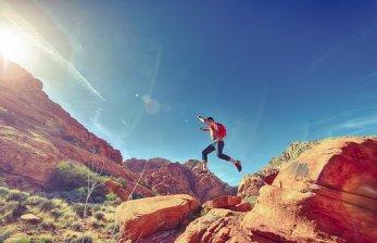 Mann Springen Freudige Glücklich Sportlich