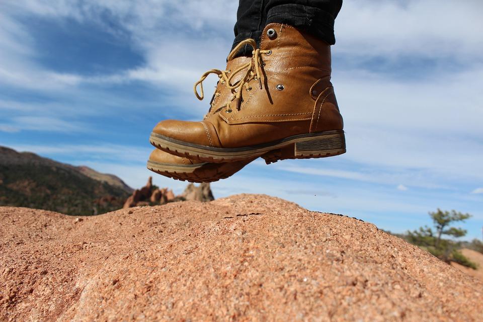 Gambar sepatu bot