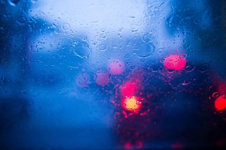 【夜】窓ガラスがギラギラして見えない 原因とメンテナンスグッズ3選