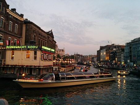 Aamsterdam boat