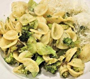 Pasta, Orecchiette, Broccolo, Acciughe