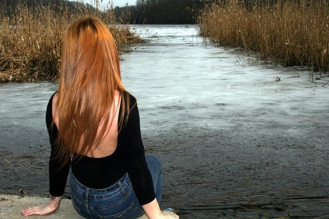Free Photo Girl Back Lake Frozen Landscape Free