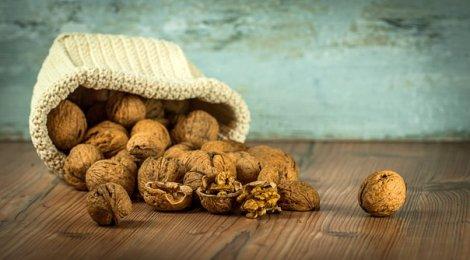 Walnuts, Dump, Spill, Table, Still Life