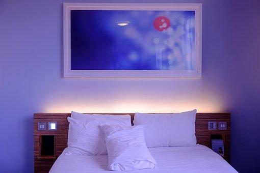 ベッドルーム, ホテルのお部屋, ホワイト, 寝具, 壁の芸術, 宿泊施設