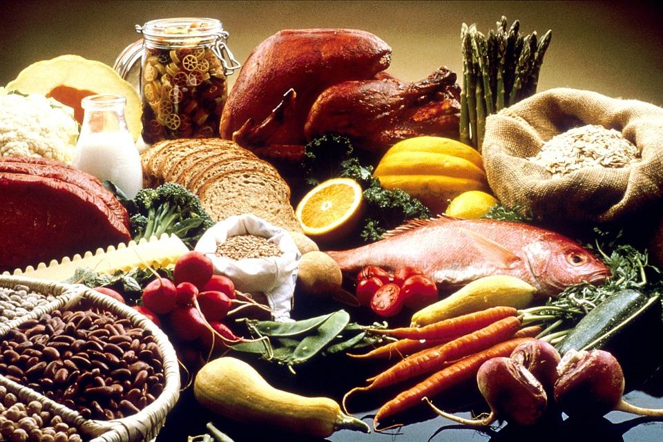 alimentazione sana e varia ricca di nutrienti