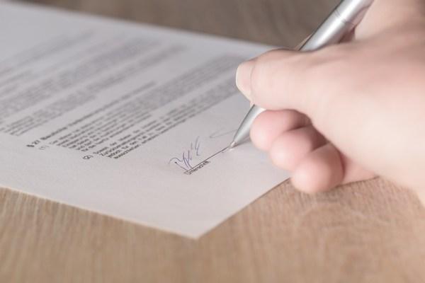 firma contratto casa stanza studenti universitari università fuori sede fuorisede affittacamere