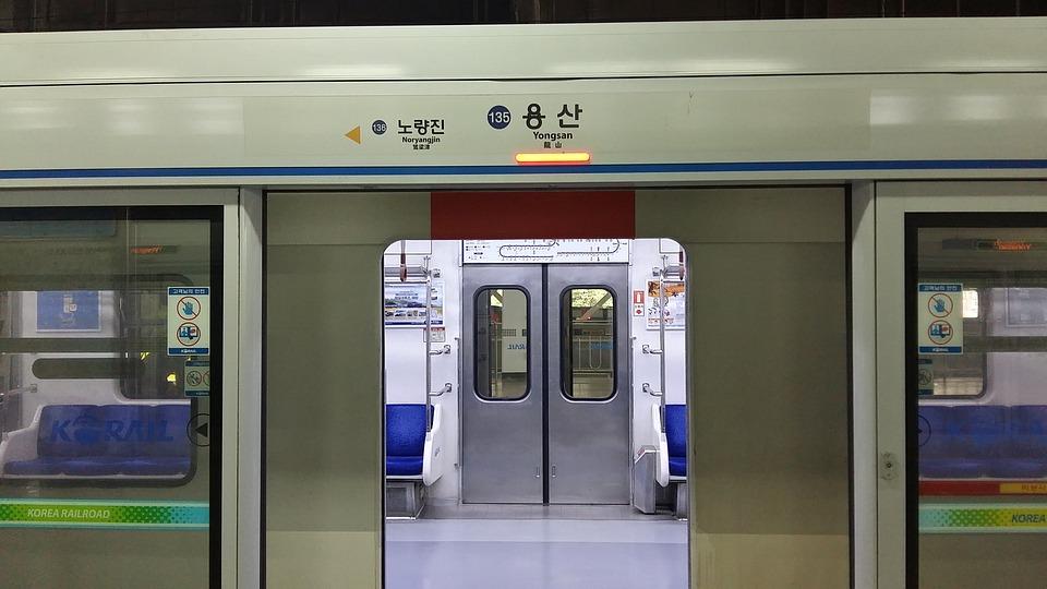 電車の自動ドア