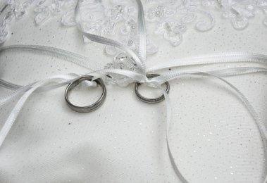 Obrączki, Pierścionki, Małżeństwa