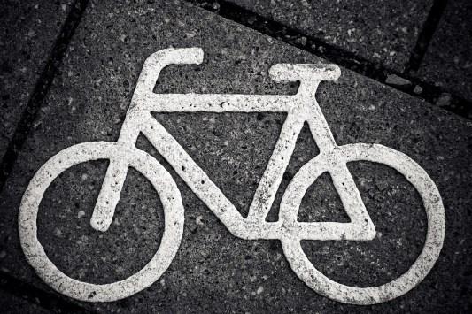 Bicicleta, Caracteres, Ciclovia, Estrada