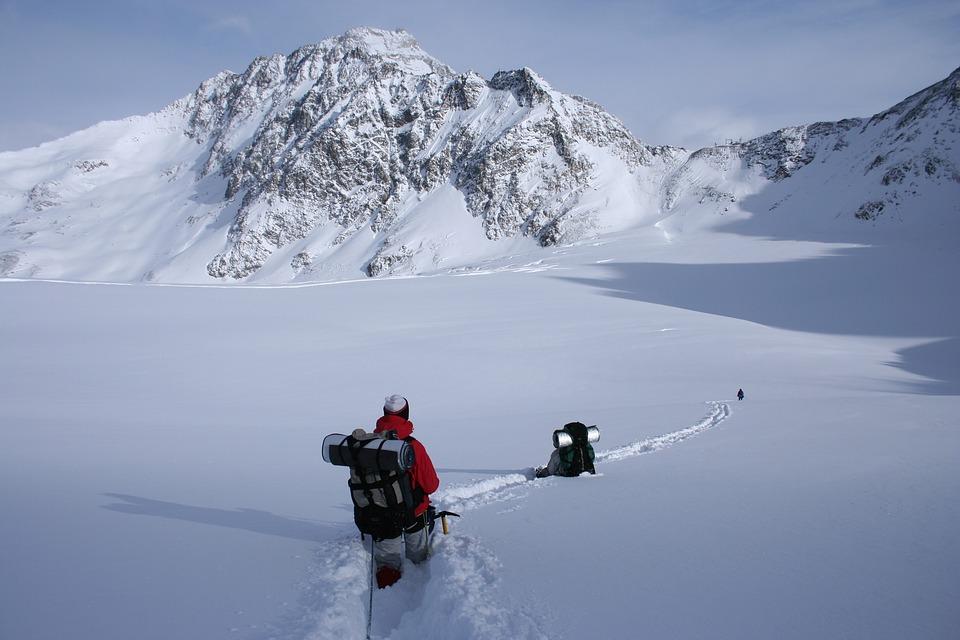 Caminata De Invierno, Montaña Nevada, Alpes, Senderismo