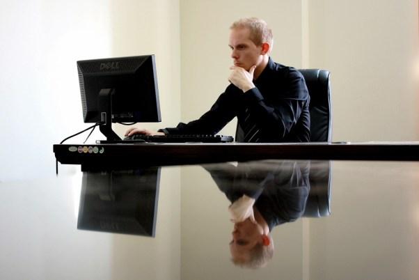 仕事, ビジネスマン, 椅子, コンピューター, デスク, デスクトップ, 起業家, 男, モニター, 反射