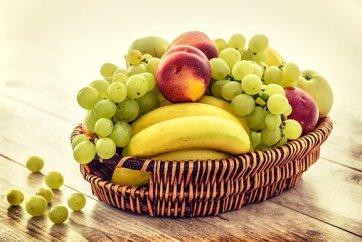 Cesto Di Frutta, Banane, Uva, Mele
