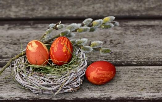 Uova Di Pasqua, Nido Di Pasqua, Decorazione Di Pasqua