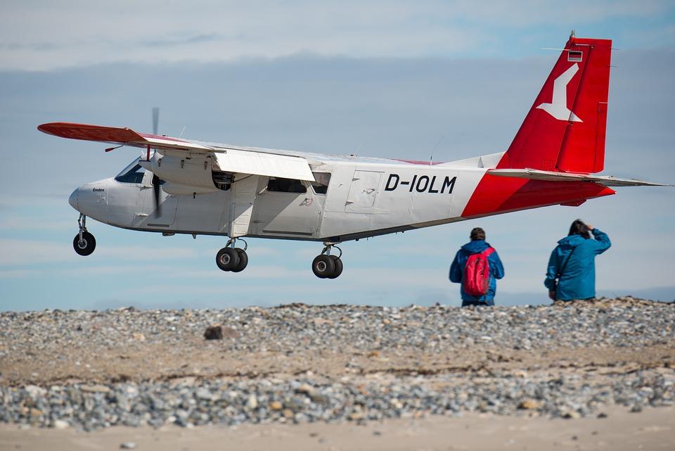 航空機, リンク先, ヘルゴラント, 砂丘, 低空飛行, 着陸, プロペラ, 空港, 飛行, 土地, 旅客機