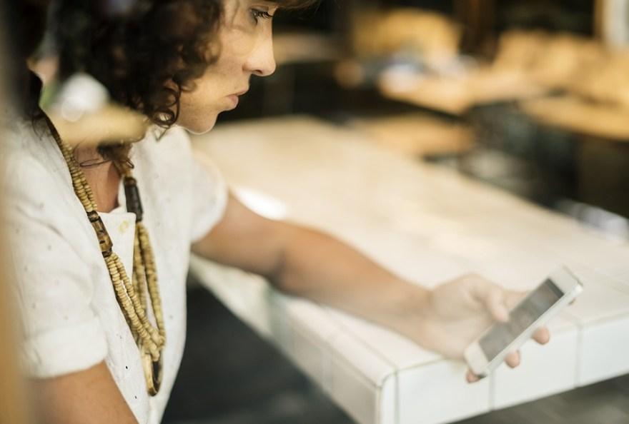 破る, ビジネス, ビジネスマン, 女性実業家, カフェ, コーヒー ショップ, 通信, 接続, 保持
