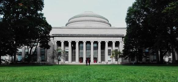 মাস্যাচুসেট্স (Massachusetts) ইন্সটিটিউট অফ টেকনোলজি (MIT)