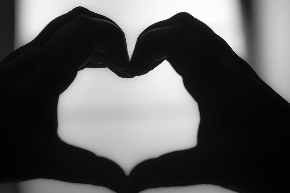 coeur noir et blanc photo gratuite