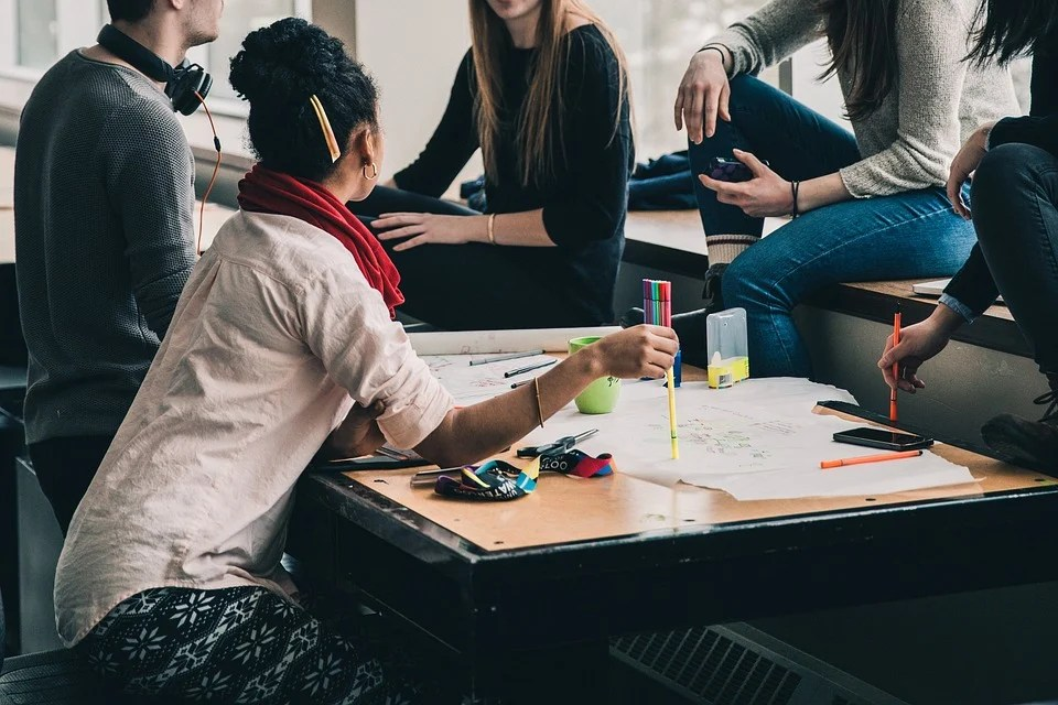 人, 女の子, 女性, 学生, お友達と, 話, 会議, 研究, グループ, アクティビティ, 宿題