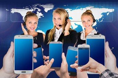 Callcenter, Headset, Frau, Service und Kreditberater.