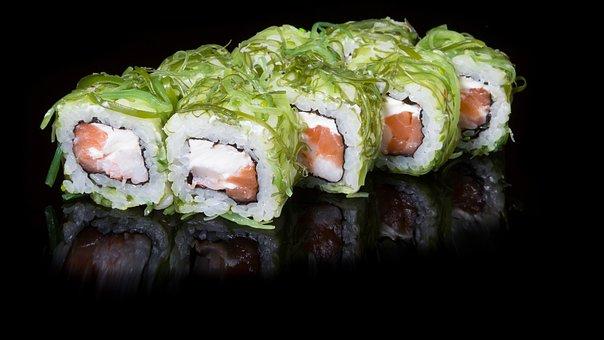 Il Sushi è un piatto giapponese a base di riso e pesce molto amato anche in occidente