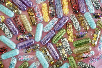 Desktop, Pill, Abstract, Addiction, Spiritual high, pretty capsules, colorful pills, sparkles, glitters, shiny
