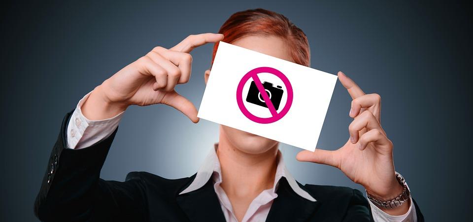 写真, 人写真, 女性, 実業家, モデル, ボード, シールド, 図, 通りの写真撮影, 禁止, 右