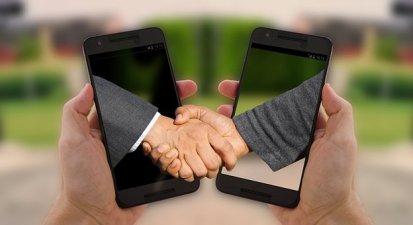 Händeschütteln, Handschlag, - Kredit trotz Schulden.