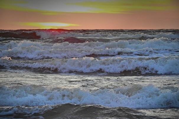 Αποτέλεσμα εικόνας για θάλασσα κύματα