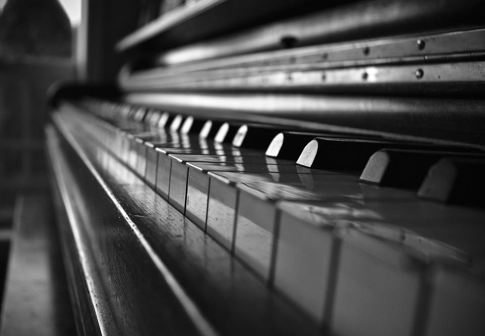 piano black and white depth gray free