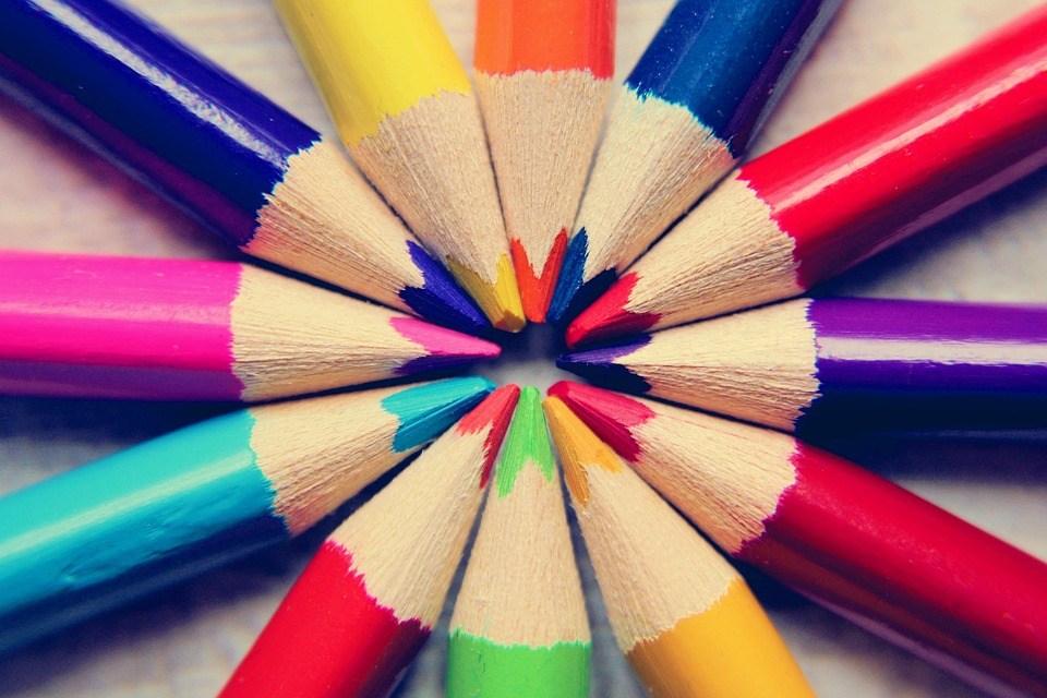 Gambar Pensil Warna kado