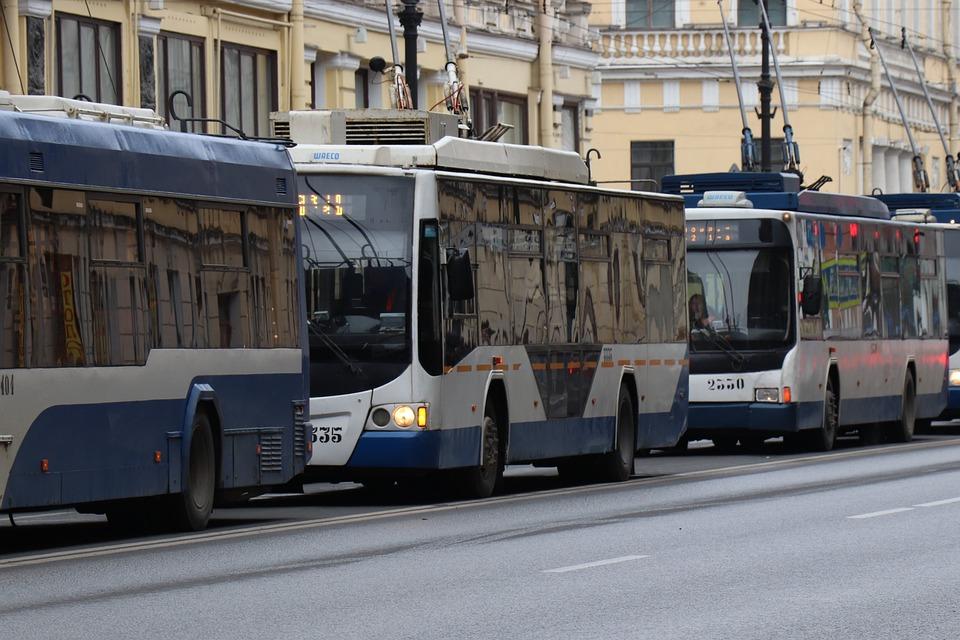 市, トロリーバス, ロシア, ストリート, 家に, トランスポート, 散歩, 現代, 建物, 乗客, 牽引力