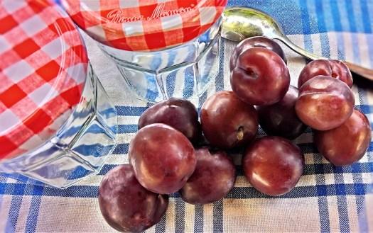 Susine, Frutta, Frutta A Nocciolo, Estate, Natura